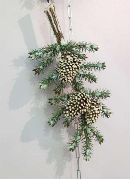 Керамическое панно сосновая ветка