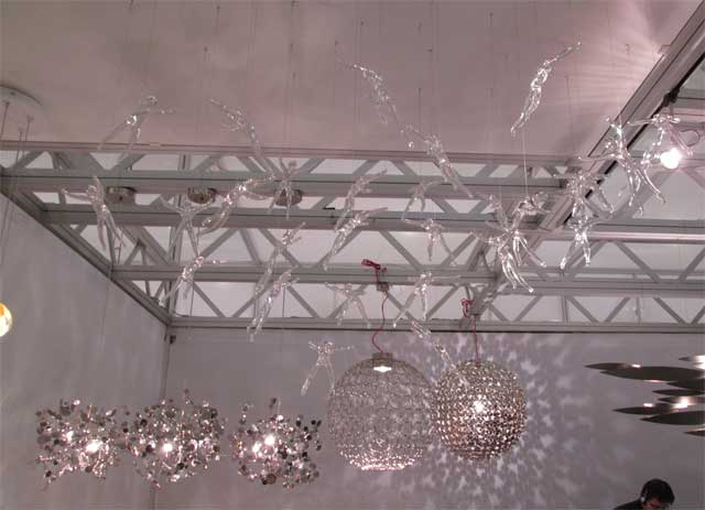 Подвесные стеклянные люстрыдля детской комнаты