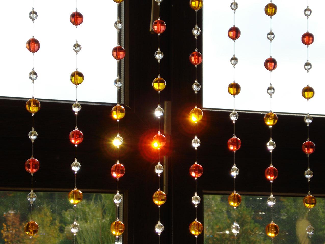 Шторы из стеклянных бус-подвесок