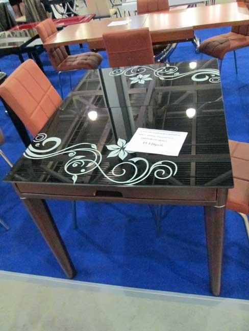 Стол для гостиной фото