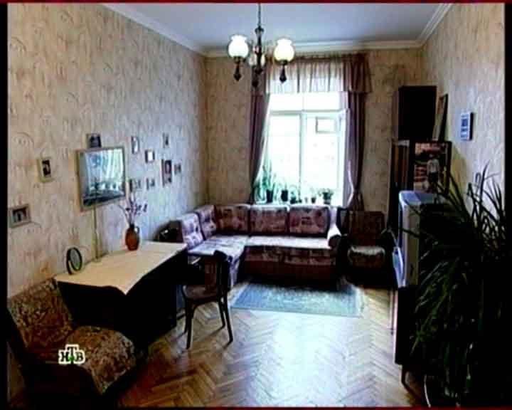 Вид спальни гостиной перед ремонтом